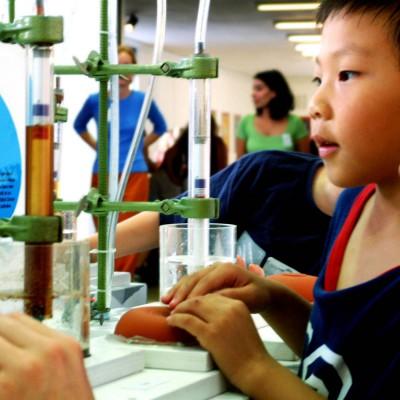 kindermuseum münchen ausstellung hazweioh chemie
